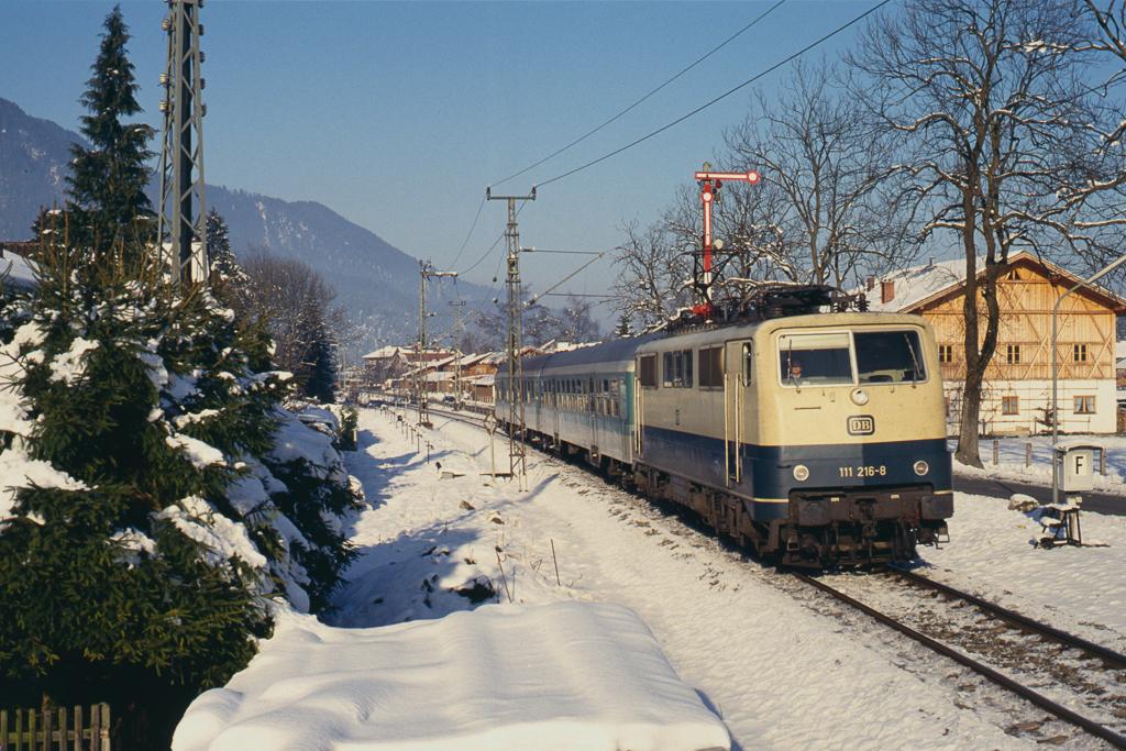 http://www.diesellokguru.de/images/D1992/111-2-KB/D960-111-216-199x-01.jpg