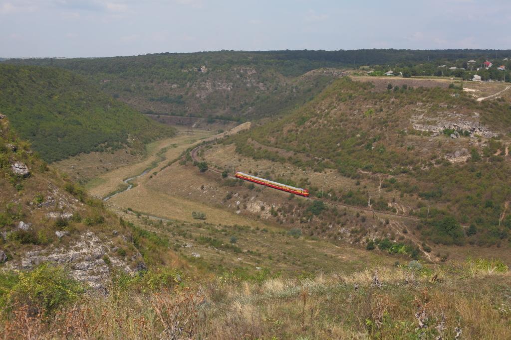 http://www.diesellokguru.de/images/RO2014/MD2014-3/MD-D1-752-3-2014-08-10-1.JPG