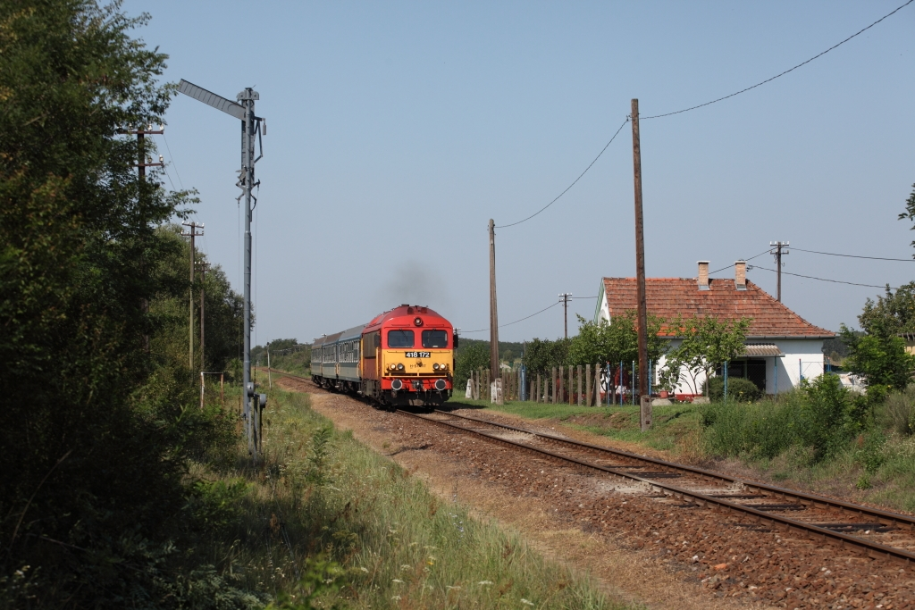 http://www.diesellokguru.de/images/RO2014/RO2014-1/HU-418-172-2014-08-03-3.JPG