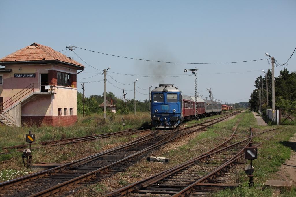 http://www.diesellokguru.de/images/RO2014/RO2014-1/RO402-62-0741-2014-08-03-3.JPG