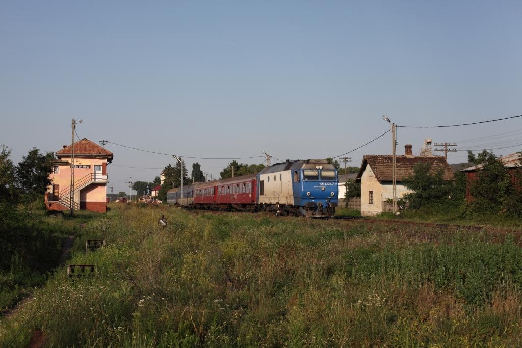 http://www.diesellokguru.de/images/RO2014/RO2014-1/RO402-65-0962-2014-08-03-1.JPG