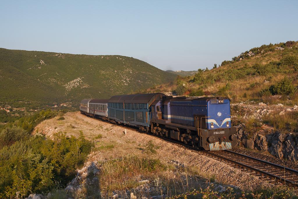http://www.diesellokguru.de/images/SL2014/HR2014/HR70a-2044-022-2014-06-22-3.jpg